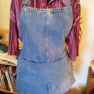 Custom blue jean denim apron with pockets.